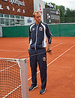 Austria, Kitzbuhel, Juli 14, 2015, Tennis, Davis Cup, Training Dutch team, Thiemo de Bakker warming up<br /> Photo: Tennisimages/Henk Koster