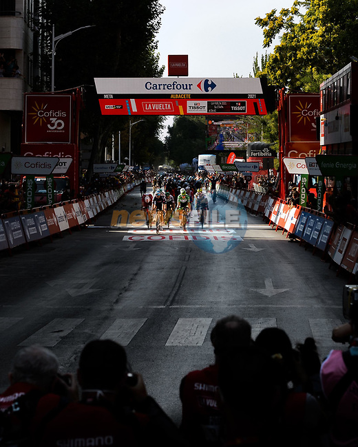 Jasper Philipsen (BEL) Alpecin-Fenix wins Stage 5 of La Vuelta d'Espana 2021, running 184.4km from Tarancón to Albacete, Spain. 18th August 2021.    <br /> Picture: Cxcling | Cyclefile<br /> <br /> All photos usage must carry mandatory copyright credit (© Cyclefile | Cxcling)