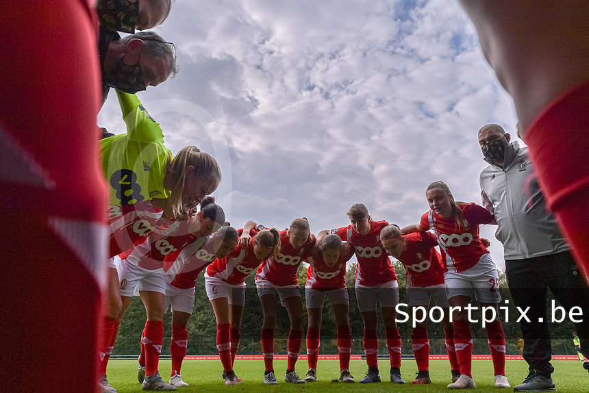 Peptalk Standard CL before the game pictured during a female soccer game between Standard Femina de Liege and Dames SV Zulte Waregem on the fifth matchday of the 2020 - 2021 season of Belgian Scooore Womens Super League , saturday 17 th of October 2020  in Angleur , Belgium . PHOTO SPORTPIX.BE | SPP | STIJN AUDOOREN