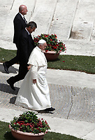 Papa Francesco lascia pizza San Pietro al termine della Santa Messa della Solennità dei Santi Pietro e Paolo, Citta' del Vaticano, 29 giugno, 2017.<br /> Pope Francis leaves at the end of the mass for the imposition of the Pallium upon the new metropolitan archbishops and the solemnity of Saints Peter and Paul in St. Peter's Square at the Vatican, on June 29, 2017.<br /> UPDATE IMAGES PRESS/Isabella Bonotto<br /> <br /> STRICTLY ONLY FOR EDITORIAL USE