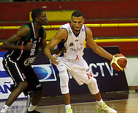 MANIZALES -COLOMBIA, 11-09-2013. Aspecto del partido entre Manizales Once Caldas y Guerreros de Bogota en la fecha 13 Liga DirecTV de Baloncesto 2013-II de Colombia jugado en el coliseo Jorge Arango de la ciudad de Manizales./ Aspect of match between Manizales Once Caldas and Guerreros de Bogota on the 13th date of DirecTV Basketball League 2013-II in Colombia at Jorge Arango coliseum in Manizales. Photo:VizzorImage / Yonboni / STR