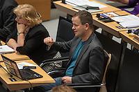 """Plenarsitzung des Berliner Abgeordnetenhaus der laufenden Legislaturperiode am Donnerstag den 26. Mai 2016.<br /> Im Bild: Klaus Lederer, Landesvorsitzender der Linkspartei bei einem Zwischenruf waehrend der Aktuellen Stunde zum Thema """"Masterplan Integration"""".<br /> 26.5.2016, Berlin<br /> Copyright: Christian-Ditsch.de<br /> [Inhaltsveraendernde Manipulation des Fotos nur nach ausdruecklicher Genehmigung des Fotografen. Vereinbarungen ueber Abtretung von Persoenlichkeitsrechten/Model Release der abgebildeten Person/Personen liegen nicht vor. NO MODEL RELEASE! Nur fuer Redaktionelle Zwecke. Don't publish without copyright Christian-Ditsch.de, Veroeffentlichung nur mit Fotografennennung, sowie gegen Honorar, MwSt. und Beleg. Konto: I N G - D i B a, IBAN DE58500105175400192269, BIC INGDDEFFXXX, Kontakt: post@christian-ditsch.de<br /> Bei der Bearbeitung der Dateiinformationen darf die Urheberkennzeichnung in den EXIF- und  IPTC-Daten nicht entfernt werden, diese sind in digitalen Medien nach §95c UrhG rechtlich geschuetzt. Der Urhebervermerk wird gemaess §13 UrhG verlangt.]"""