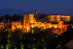 Spanien, Andalusien, Granada: Alhambra, Sierra Nevada, Beleuchtung, abends | Spain, Andalusia, Granada: Alhambra, Sierra Nevada, illumination, dusk, evening