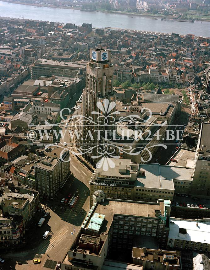 April 1987. Boerentoren in Antwerpen.