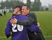SV izegem speelt gelijk op rekkem en promoveert zo naar 3de provinciale : coach Filip Debruyne blij na de promotie.foto VDB / BART VANDENBROUCKE