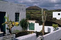 Europe/Espagne/Canaries/Lanzarote/Casas de El Golfo : Maisons du village