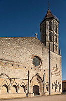 Europe/France/Midi-Pyrénées/32/Gers/Fleurance: L'église Notre-Dame - Saint Laurent de Fleurance - Façade de l'église et son enfeu