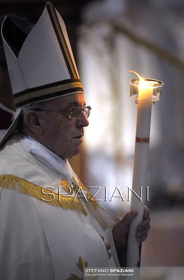 """Pope Francis   """"feast of candles"""" during  Holy Mass for the Solemnity of the presentation of Our Lord at St Peter's basilica at the Vatican.  on Febraury 2, 2014"""