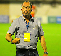 BARRANCABERMEJA- COLOMBIA - 01 - 05 - 2017: Jaime de la Pava, técnico de Cortulua, durante partido Alianza Petrolera y Fortaleza FC, por la fecha 15 por la Liga Aguila I 2016 en el estadio Daniel Villa Zapata en la ciudad de Barrancabermeja. / Jaime de la Pava, coach Cortulua, during a match between Alianza Petrolera and Cortulua, for date 15th of the Liga Aguila I 2017 at the Daniel Villa Zapata stadium in Barrancabermeja city. Photo: VizzorImage  / Jose D Martinez / Cont.