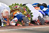 #30: Takuma Sato, Rahal Letterman Lanigan Racing Honda<br /> Takuma Sato and his team kiss the bricks after winning the Indy 500
