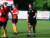 Vriendschappelijke interland vrouwenvoetbal : Belgium A - France A te Nieuwpoort ;..assistent Tamara Cassimon..foto DAVID CATRY / Vrouwenteam.be