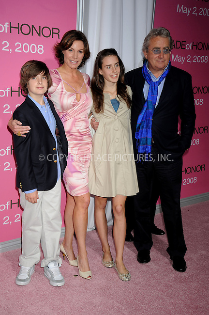 WWW.ACEPIXS.COM . . . . .....April 28, 2008. New York City.....TV personality Countess Luann de Lesseps (second left) and guests arrive at the 'Made of Honor' premiere at the Zeigfeld Theater...  ....Please byline: Kristin Callahan - ACEPIXS.COM..... *** ***..Ace Pictures, Inc:  ..Philip Vaughan (646) 769 0430..e-mail: info@acepixs.com..web: http://www.acepixs.com