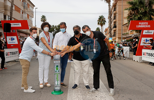 Getting ready for the start of Stage 9 of La Vuelta d'Espana 2021, running 188km from Puerto Lumbreras to Alto de Velefique, Spain. 22nd August 2021.     <br /> Picture: Luis Angel Gomez/Photogomezsport   Cyclefile<br /> <br /> All photos usage must carry mandatory copyright credit (© Cyclefile   Luis Angel Gomez/Photogomezsport)