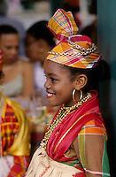 Europe/France/DOM/Antilles/Petites Antilles/Guadeloupe/Pointe-à-Pitre : Fête des cuisinières - Jeune cuisinière lors du repas de  la Fête des Cuisinières
