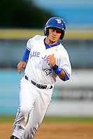 Dunedin Blue Jays shortstop Peter Mooney #3 during a game against the Clearwater Threshers at Florida Auto Exchange Stadium on April 4, 2013 in Dunedin, Florida.  Dunedin defeated Clearwater 4-2.  (Mike Janes/Four Seam Images)