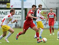 FC Gullegem - KV Kortrijk : Ivan Santini aan de bal<br /> foto VDB / BART VANDENBROUCKE