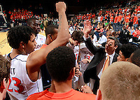 CHARLOTTESVILLE, VA- NOVEMBER 26:  Head coach Tony Bennett of the Virginia Cavaliers in the huddle during the game on November 26, 2011 at the John Paul Jones Arena in Charlottesville, Virginia. Virginia defeated Green Bay 68-42. (Photo by Andrew Shurtleff/Getty Images) *** Local Caption *** Tony Bennett