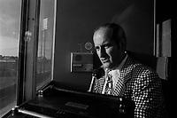 """Claude Mouton au Parc Jarry en juillet 1973 <br /> <br /> Claude Mouton travailla pour les Expos jusqu'en 1973, alors qu'il quitta le club, et concentra ses energies dans la fonction d'annonceur maison pour les matchs du club de hockey """"Les Canadiens de Montreal"""",<br />  <br /> <br /> PHOTO : Alain Renaud<br />  - Agence Quebec Presse"""
