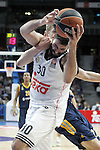 Real Madrid's Ioannis Bourousis (f) and Alba Berlin's Martin Seiferth during Euroleague match.March 12,2015. (ALTERPHOTOS/Acero)