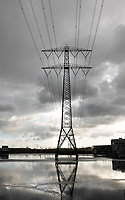 Nederland  Amsterdam - 09-01- 2021.     IJburg. Hoogspanningsmast bij Steigereiland.   Foto : ANP/ HH / Berlinda van Dam