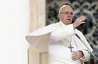 Papa Francesco tiene l'udienza generale del mercoledi' in Piazza San Pietro, Citta' del Vaticano, 22 marzo, 2017.<br /> Pope Francis attends his weekly general audience in St. Peter's Square at the Vatican, on March 22, 2017.<br /> UPDATE IMAGES PRESS/Isabella Bonotto<br /> <br /> STRICTLY ONLY FOR EDITORIAL USE