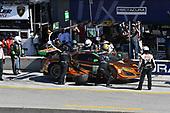 IMSA WeatherTech SportsCar Championship<br /> AMERICA'S TIRE 250<br /> Mazda Raceway Laguna Seca<br /> Monterey, CA USA<br /> Saturday 24 September 2017<br /> 86, Acura, Acura NSX, GTD, Oswaldo Negri Jr., Jeff Segal pit stop<br /> World Copyright: Richard Dole<br /> LAT Images<br /> ref: Digital Image RD_LS_17_359
