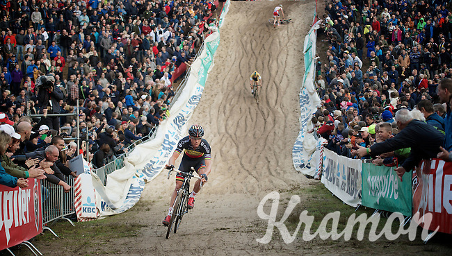 "Sven Nys (BEL/Crelan-AAdrinks) swiftly descends into ""The Pit"" leading the race<br /> <br /> GP Zonhoven 2014"
