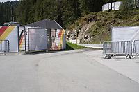 Zufahrt zum abgesperrten Trainingsgelände - Seefeld 25.05.2021: Trainingslager der Deutschen Nationalmannschaft zur EM-Vorbereitung
