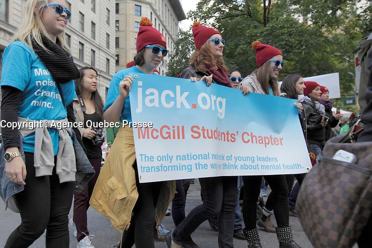 Marche reliée à la santée mentale, 5 Octobre 2014<br /> <br /> Photo : Agence Quebec Presse.