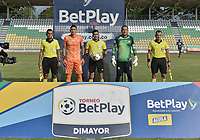 PALMIRA - COLOMBIA, 11-02-2021: Nelson Ramos del Boca, Ronald Ortiz, arbitro, Ramiro Sanchez del Unión y los arbitros asistentes Yeisson Vasquez, Edison Calderon, Luis Delgado posan para una foto previo al partido entre Boca Juniors de Cali y Unión Magadalena por la final 1 del Torneo BetPlay DIMAYOR I 2021 jugado en el estadio Francisco Rivera Escobar de la ciudad de Palmira. / Nelson Ramos of Boca, Ronald Ortiz, referee, Ramiro Sanchez of Union and assistant referees Yeisson Vasquez, Edison Calderon, Luis Delgado pose to a photo prior amatch for the for the date 5 as part of BetPlay DIMAYOR Tournament I 2021 between Boca Juniors de Cali and Union Magadalena played at Francisco Rivera Escobar stadium in Palmira city. Photo: VizzorImage / Gabriel Aponte / Staff