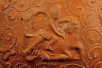 Europe/France/Auvergne/63/Puy-de-Dôme/Lezoux: Le musée de la céramique - Détail d'un vase Mythra représentant le dieu Mythra