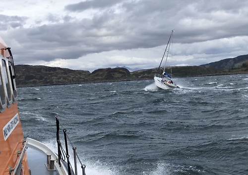 Oban RNLI's all-weather lifeboat approaches the yacht at Puilladobhrain on Friday afternoon 21 May
