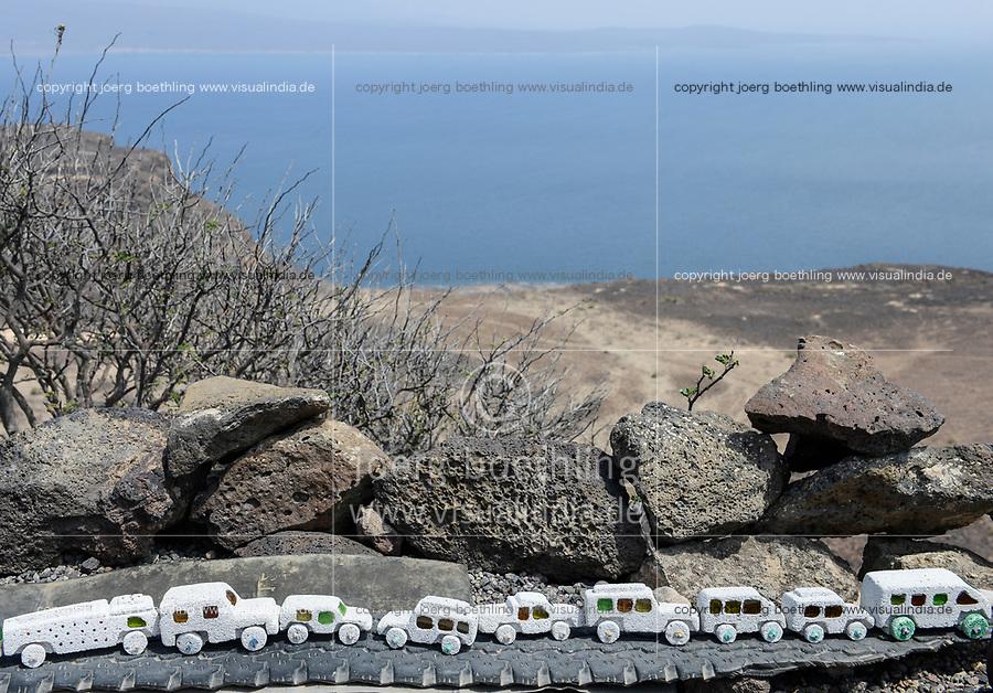 DJIBOUTI Lac Ghoubet , stone carved cars as souvenir / DSCHIBUTI See Ghoubet