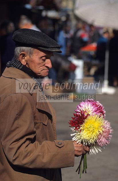 Europe/Pologne/Varsovie: Le marché de la halle Mirowska - Marchand de fleurs