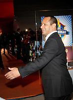 SÃO PAULO,SP,05 DEZEMBRO 2011 -PREMIO CRAQUE BRASILEIRO 2011<br /> O pai do Jogador Neymar durante entrega do premio craque do brasileiro 2011 no auditorio do Ibirapuera na zona sul de São Paulo.FOTO ALE VIANNA - NEWS FREE.