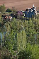 Europe/Europe/France/Midi-Pyrénées/46/Lot/Caillac:  Château de Langle XVI, remanié au XIX°s vu dans le méandre de la vallée du lot depuis le belvédère du  depuis  Col de Crayssac