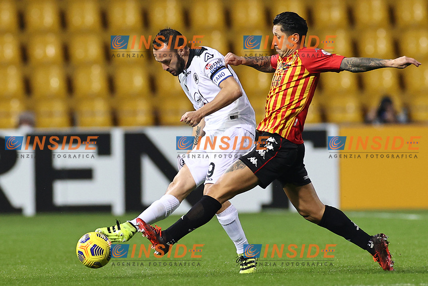 Andrey Galabinov of Spezia Calcio and Gianluca Lapadula of Benevento Calcio compete for the ball<br /> during the Serie A football match between Benevento Calcio and Spezia Calcio at stadio Ciro Vigorito in Benevento (Italy), November 7th, 2020. <br /> Photo Cesare Purini / Insidefoto