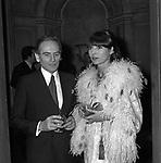 PIERRE CARDIN CON ELSA MARTINELLI    - PREMIO THE BEST A PALAZZO PECCI BLUNT ROMA 1979