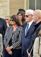 Lionel JOSPIN et sa compagne Sylviane AGACINSKI - Obseques Sonia Rykiel - Cimetiere du Montparnasse - Paris - FRANCE