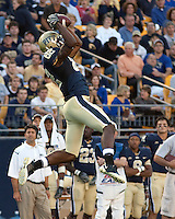 Pittsburgh wide receiverJonathan Baldwin makes a leaping catch. The Pittsburgh Panthers defeated the Navy Midshipmen 27-14 at Heinz Field, Pittsburgh, PA.