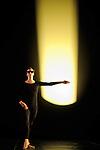 ANTIC MEET....Adaptateur : NEELS Sandra SWINSTON Robert..Choregraphie : CUNNINGHAM Merce..Mise en scene : CUNNINGHAM Merce..Compositeur : CAGE John..Compagnie : Merce Cunningham Dance Company..Decor : RAUSCHENBERG Robert..Lumiere : CHALLENBERG Christine..Costumes : RAUSCHENBERG Robert..Avec :..MUNNERLYN Marcie..Lieu : Theatre de la Ville..Cadre : Festival d Automne 2010..Ville : Paris..Le : 03 11 2010..© Laurent PAILLIER / photosdedanse.com..All Right reserved