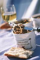 France/17/Charente Maritime/La Rochelle: Grillons charentais de J.J. Pannetier charcutier au marché couvert central