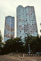 Paris: Tours Aillaud, housing on outskirts of La Defense. Photo '90.
