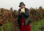 Luis sepulveda <br /> Altavilla Monferrato<br /> Distilleria Mazzetti.29 Ottobre 2004
