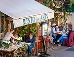 Frankreich, Provence-Alpes-Côte d'Azur, Mougins: Restaurants mit franzoesischer Kueche 'Le petit Fouet' (der kleine Schneebesen) und 'Resto des Arts' im Ortszentrum | France, Provence-Alpes-Côte d'Azur, Mougins: French restaurants 'Le petit Fouet' and 'Resto des Arts' in village centre