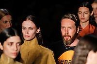 SAO PAULO, SP, 20 DE JANEIRO 2012 - SPFW  - DESFILE ALEXANDRE HERCHCOVITH - Alexandre Herchcovitch durante apresentacao de sua marca na São Paulo Fashion Week 2012, no prédio da Bienal, no Parque do Ibirapuera, na zona sul de São Paulo, nesta sexta-feira, 20. (FOTO: VANESSA CARVALHO - NEWS FREE).