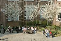 London Metropolitan University, Graduate Centre outdoor cafe area..