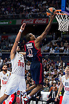 Real Madrid´s player Gustavo Ayon and Bayern Munich´s player Renfroe during the 4th match of the Turkish Airlines Euroleague at Barclaycard Center in Madrid, Spain, November 05, 2015. <br /> (ALTERPHOTOS/BorjaB.Hojas)