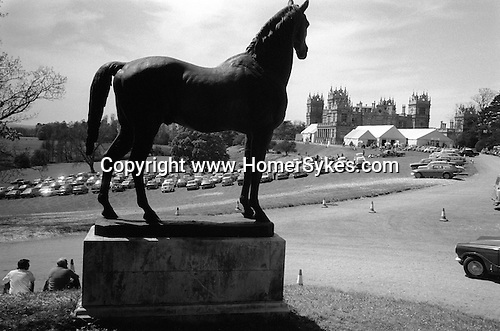 Sothebys auction house sale at Mentmore Towers. Buckinghamshire England 1977.<br /> The bronze statue of the horse is King Tom, race winning stallion of 1871, that founded the de Rothschild stud at Mentmore Towers. The horse was not sold and is now at the family home Dalmeny House, Edinburgh,Scotland.