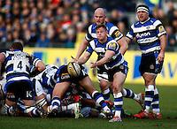 Photo: Richard Lane/Richard Lane Photography. Bath Rugby v Wasps. Aviva Premiership. 10/01/2015. Bath's Chris Cook passes.
